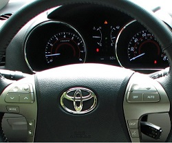 Reset oil service indicator Toyota Highlander 2 generation XU40