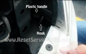 Change the headlight bulb Skoda Octavia 2 Facelift