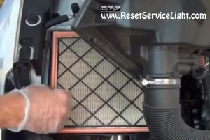 replace the air filter on Chevrolet Cruze