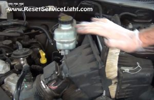 replace the old air filter on Ford Escape 2000-2006