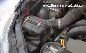 clamps holding the air box on Subaru Impreza