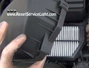 how to replace the air filter on Kia Forte 2009-2013