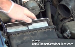 replace the air filter on Subaru Legacy 2003-2009