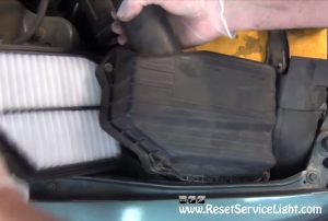 remove-and-replace-the-air-filter-on-honda-accord-1997-2002