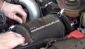 remove-and-replace-the-old-air-filter-on-ford-super-duty-2003-2007