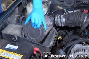 remove-and-replace-the-old-air-filter-on-gmc-sierra-1996