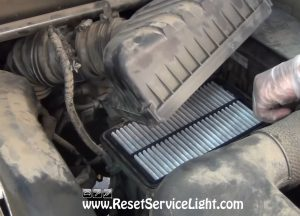 remove-and-replace-the-air-filter-on-kia-sportage-2004-2010