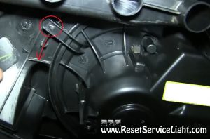 remove-and-replace-the-blower-motor-on-vw-jetta-2005-2013