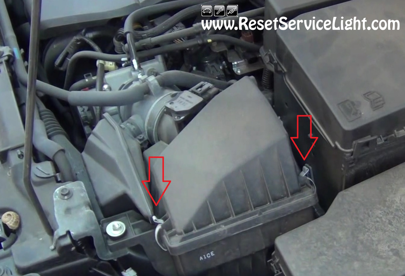 Replace The Air Filter On Mazda 3 2003