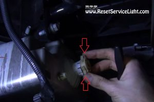 remove-and-replace-the-fog-light-bulb-on-chevy-silverado-2007-2013