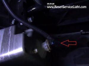 remove-the-fog-light-harness-on-chevy-silverado-2007-2013