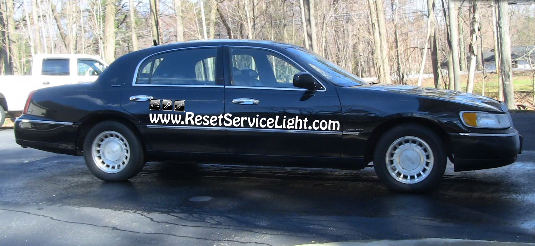 How To Change The Tail Light On Lincoln Town Car 1998 2002 Reset