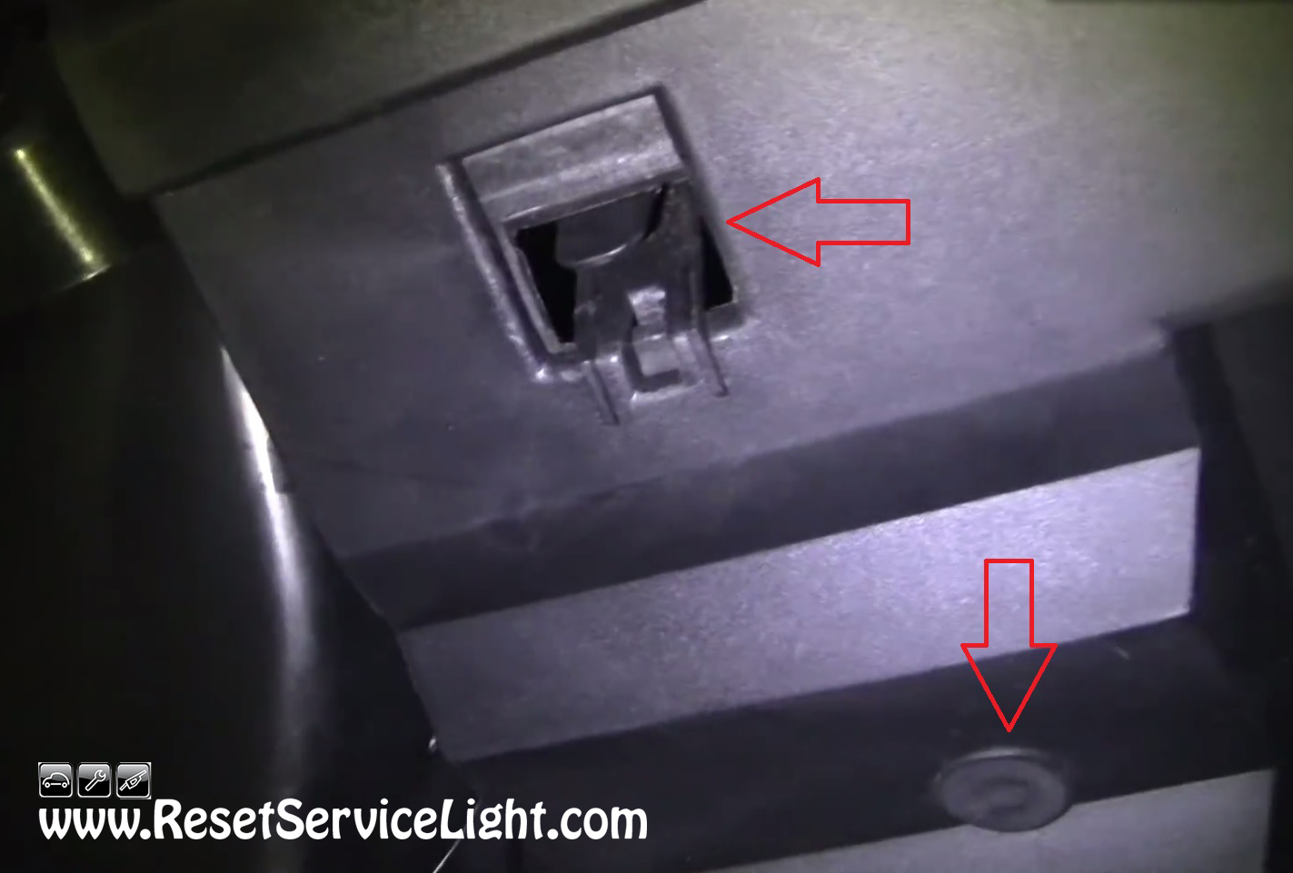 how to turn off service engine soon light nissan
