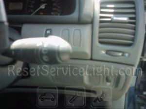 Reset service light indicator Renault Laguna stork