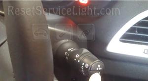 Reset service light indicator Renault Megane 3 bottom button