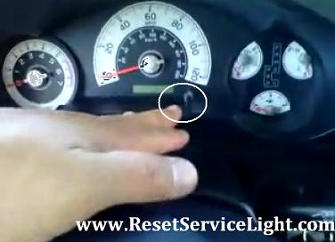Reset oil maintenance required Toyota Land Cruiser 100 series