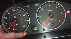 How to reset warning light time for regulat service on a Volvo S40