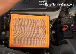 remove-and-replace-the-air-filter-on-bmw-x5-2000-2006