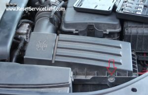 remove-the-lid-of-the-air-box-on-vw-golf-tdi-mk4